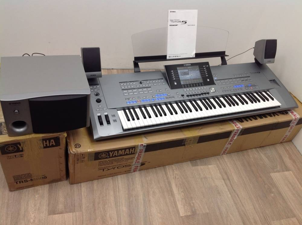 Piano yamaha tyros 5/76 touches