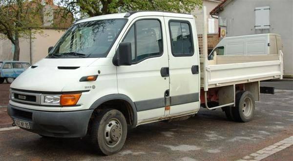 Camion benne IVECO double cabine 3,5 tonnes