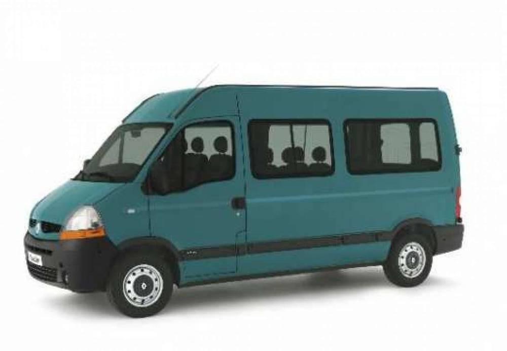 Minibus Master équipé ou non d'une rampe d'accès pour fauteuils roulants